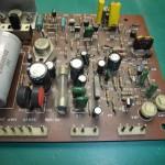 DENON(デノン)DP-2700 メイン基板部品実装面(修理前)